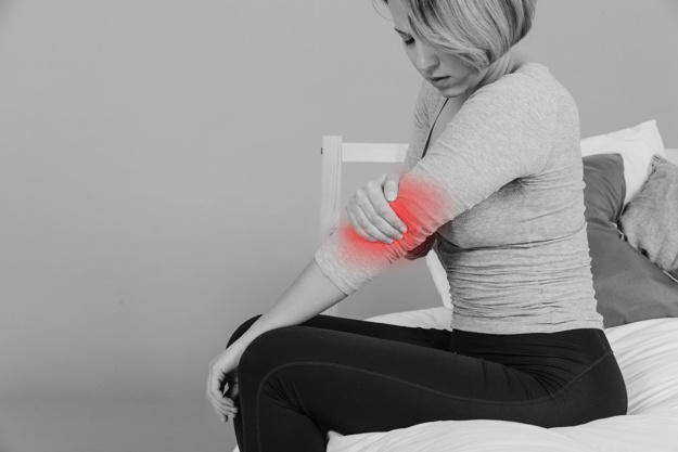 Elbow Joint Pain Symptoms And Treatment Inner Or Outer Elbow