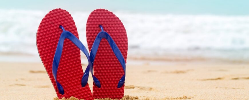 Which sandals you wear to avoid foot pain